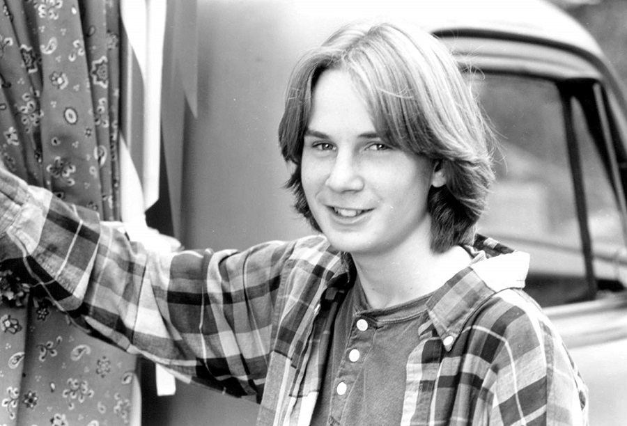 Austin O'Brien as Logan in The Baby-Sitters Club